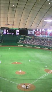 のんびりと東京ドーム…